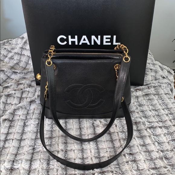 CHANEL Handbags - 🆕 Chanel Black Leather Caviar Bag 👜